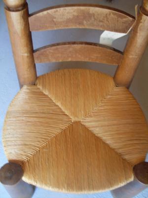 Réalisation d'une chaise pour enfants en paillage