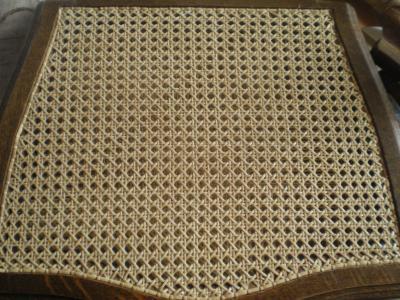 Réalisation d'une chaise en cannages