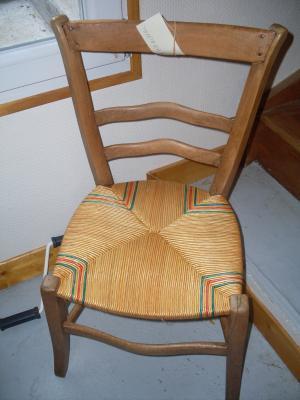 Réalisation d'une chaise en paillage